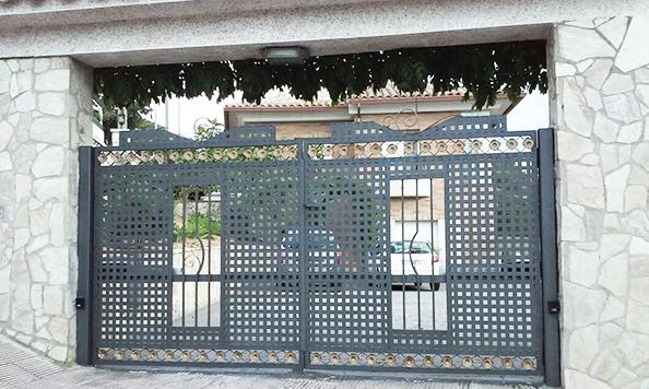 02 puertas de hierro forjado